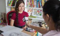 人气动漫作家丁一晨接受央视采访 谈表情包产业走红心路