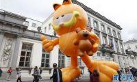 比利时布鲁塞尔举行卡通气球巡游