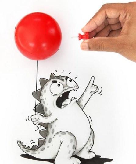 快被萌翻了!漫画家与笔下小恐龙的互动好可爱