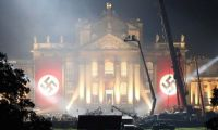 《变形金刚5》新片场照惹争议 丘吉尔故居变纳粹大本营