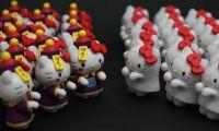 商家推出了HELLO Kitty万圣节主题的杯缘子系列