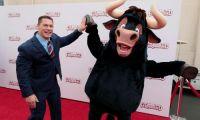 《公牛历险记》北美举办首映 明年1.19内地上映